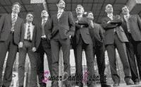 grupo de hombres con traje