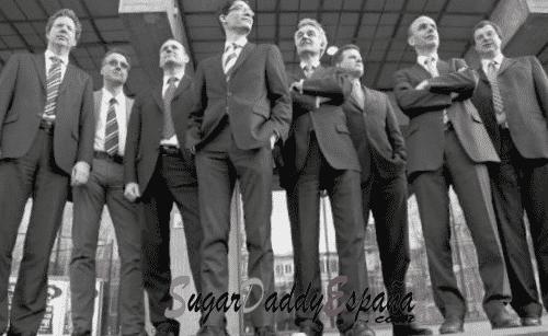 Grupo de hombres con corbata